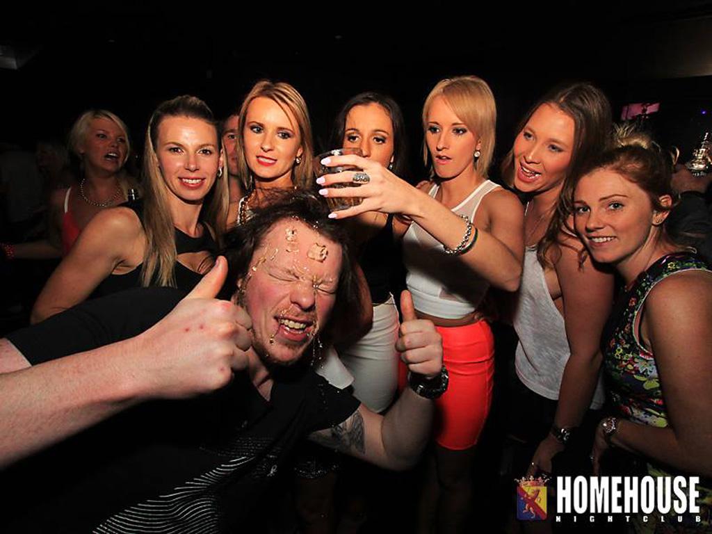 24) When photobombs go wrong.