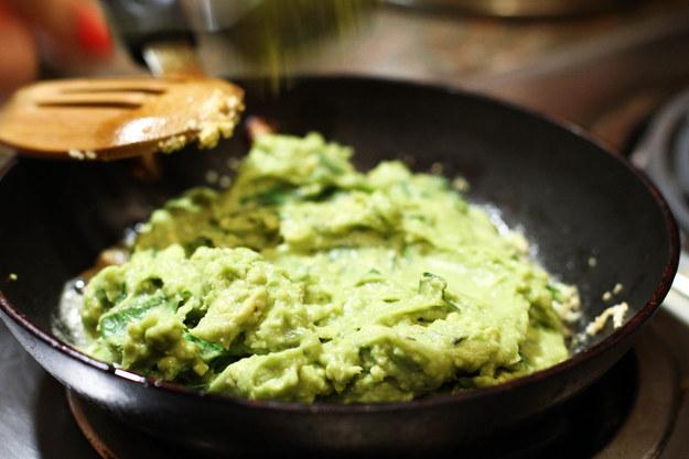Creamy Vegan Avocado Pesto Dip